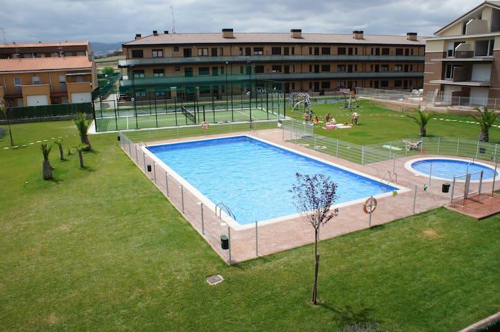 Duplex en urbanización con piscina - Alesanco - Departamento