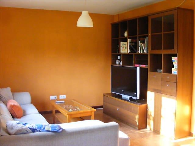 Casa grande en zona tranquila - El Arroyo - Haus