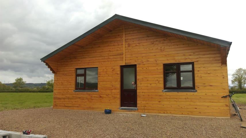 Peaceful setting, A cosy log cabin - Limerick - Kulübe