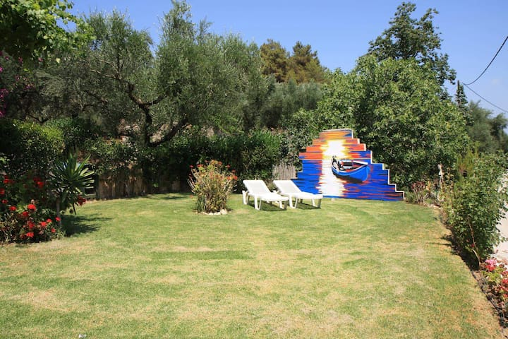 Cottage in the groves - Laganas - Casa