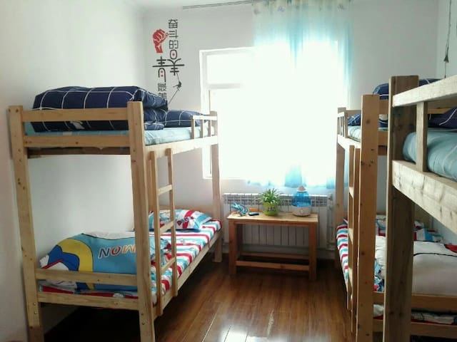 简洁六人间床位(公卫) - 拉萨市 - บ้าน