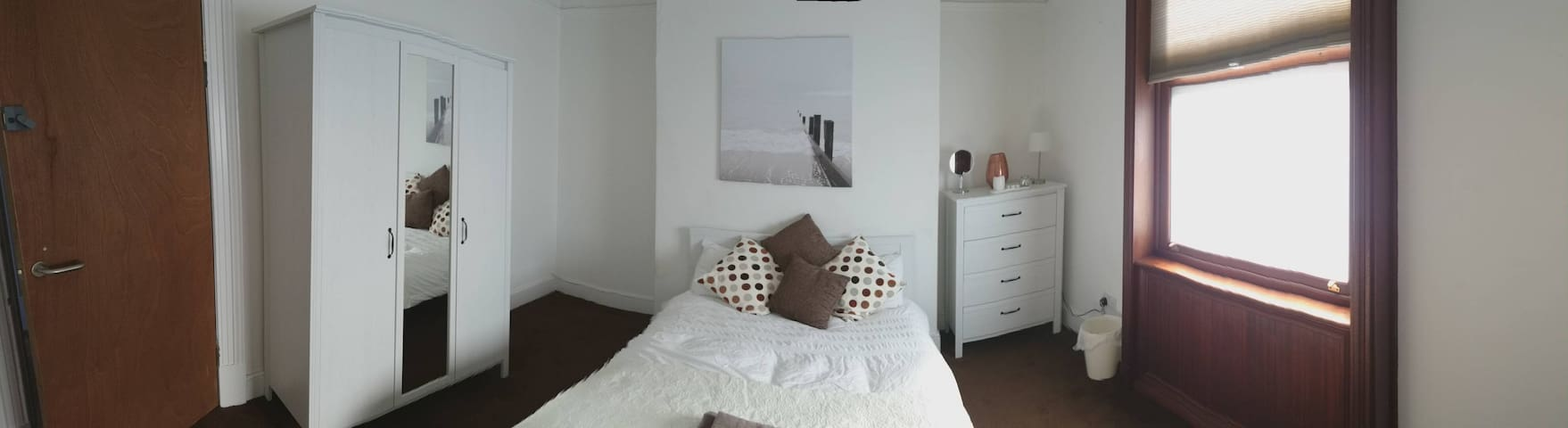 Double Bedroom GFR Det House with Secure Parking - Leicester - Huis