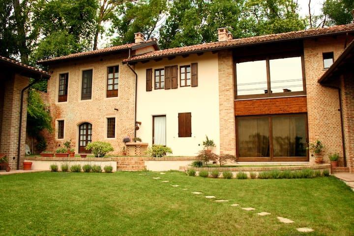 """La Corte San Michele CAV - Appartamento """"Nebbiolo"""" - Roatto - Apartamento"""