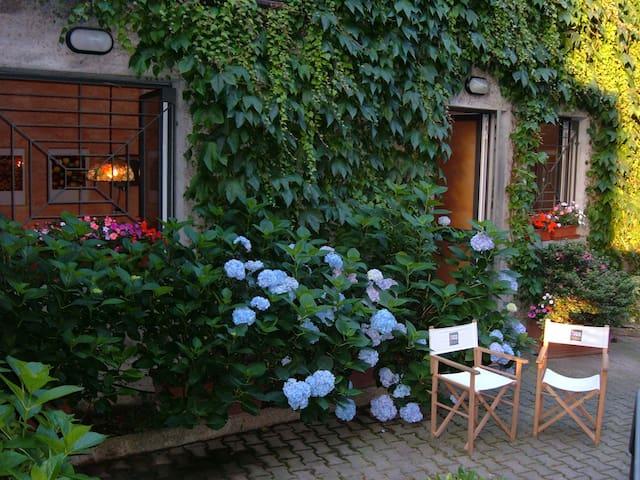 Intera casa per minimo 4 adulti per minimo 4 notti - Almè - 別荘
