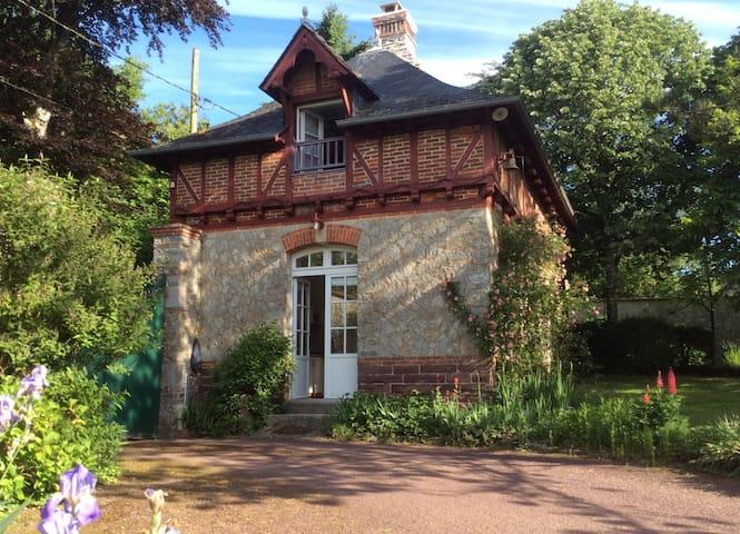maison indépendante dans parc - Guichen - Casa