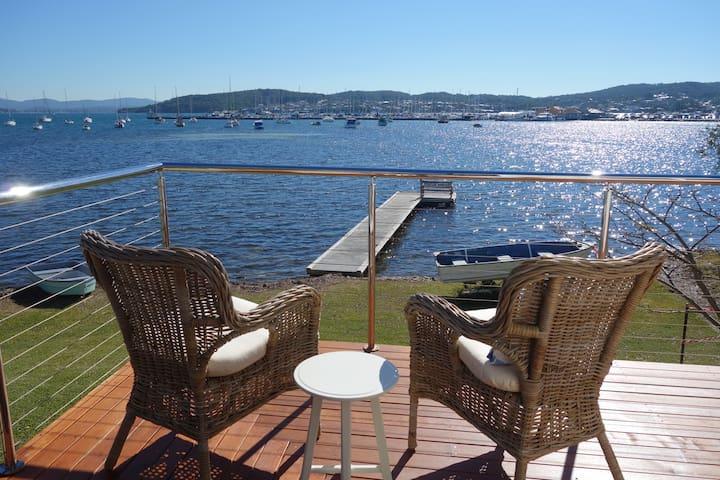 Bellevue Boatshed on Lake Macquarie - Belmont - Bungalov