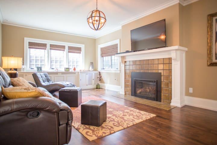Private Suite in Luxury Home - Appleton - Hus