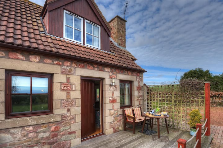 Alemill Holiday Cottage // Studio - Scottish Borders - Lejlighed