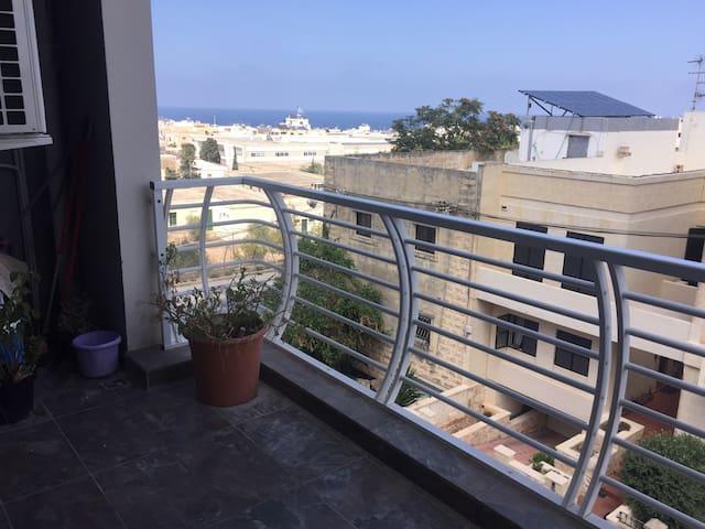 Room for two in modern apartment - Pembroke - Lägenhet