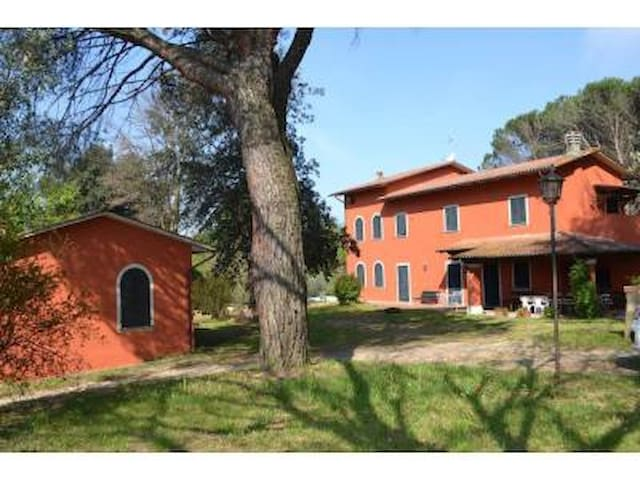 Tenuta Albereta, charming villa on Tuscan hills - Marginone - Villa