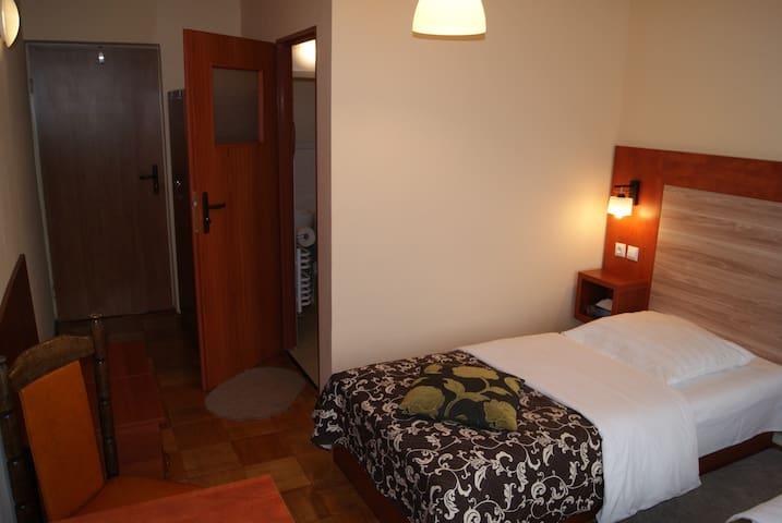 pokój 2-osobowy z łazienką - Lomza