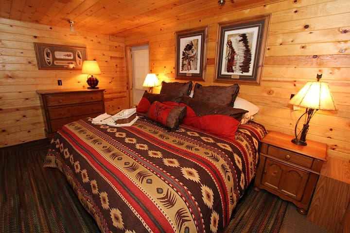 Timber Lodge Orcas King Bedrm Suite - Eastsound - Zomerhuis/Cottage