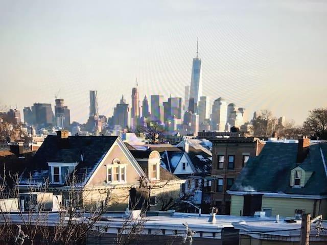 Cozy home.15 min to Manhattan. - Weehawken - Apartemen