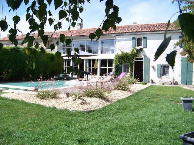 LA MARANGELLE Chambre d'hotes - Bernay-Saint-Martin