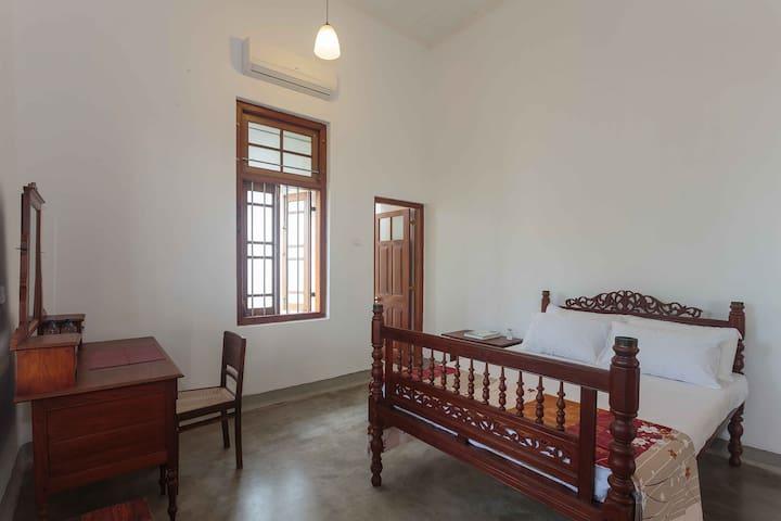 The Old Cinnamon House Room 1 - Dehiwala-Mount Lavinia - Villa