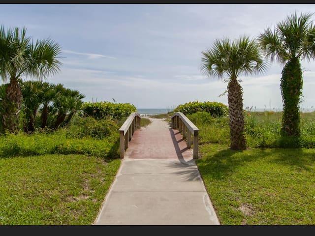 Deedee's Beach Retreat Cocoa Beach - Cocoa Beach - Apto. en complejo residencial