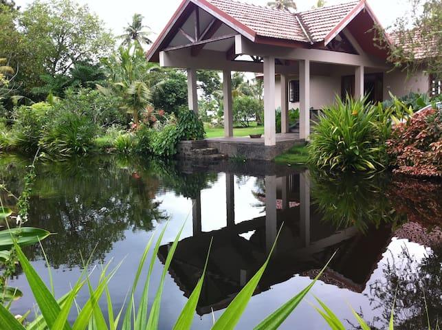 LAKE HOUSE w Tropical Garden - Alappuzha - Villa