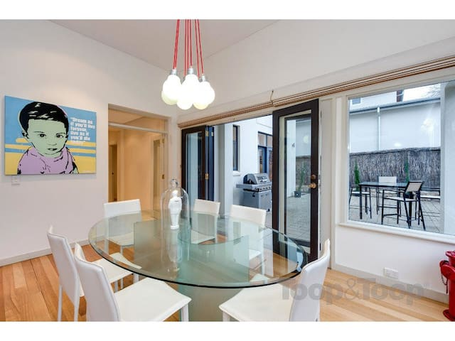 Spa Suite and own Kitchenette - Walkerville - Huis