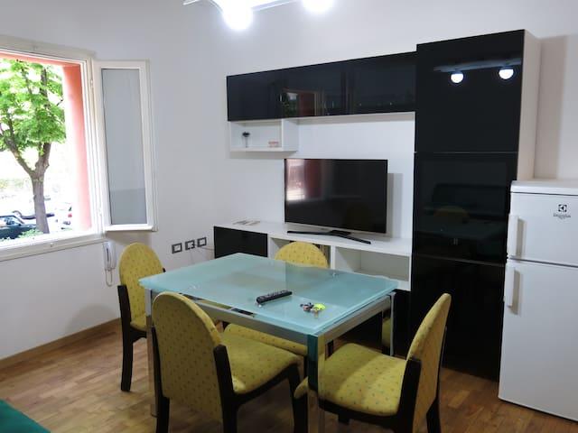"""Turistic apartment """"La Rocca"""" - Imola - Departamento"""