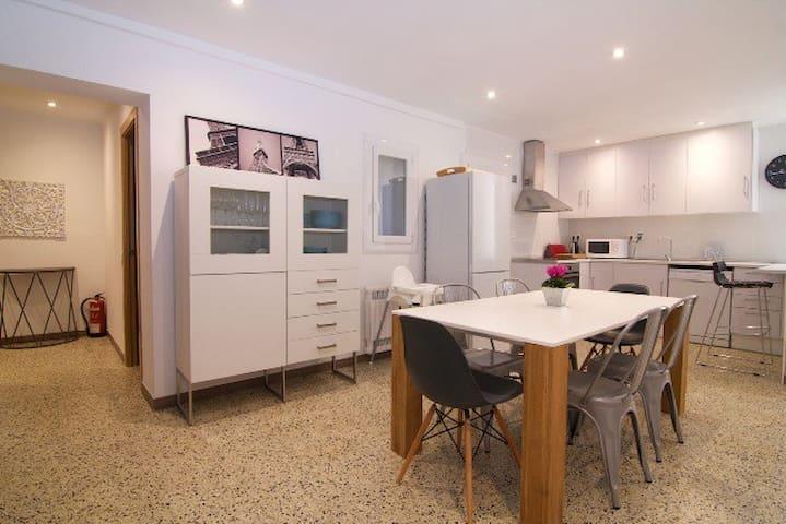 IXA-1 Three rooms apartment in Manresa centre - Manresa - Apartamento