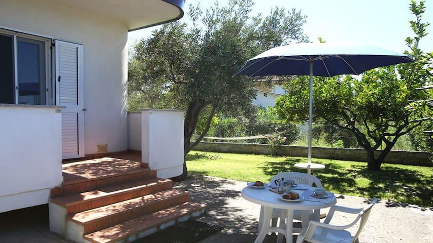 Villa Tigani, direct beach access: Pandora apt - Marina di Davoli - Villa