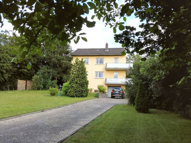 Bright countryhouse flat with balcony and garden - Kitzingen - Ev