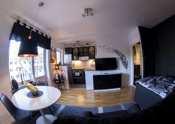 Private apartment, Middle of Solna, 5th floor - Solna