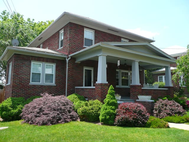 Big Craftsman Home in the Heart of the Shenandoah - Berryville - Hus
