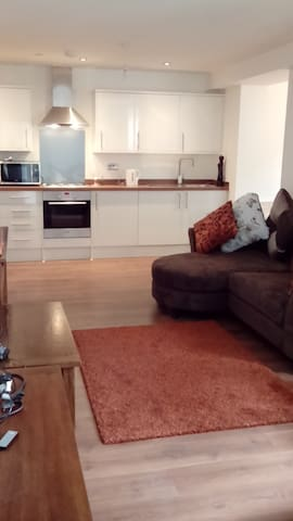 Bright Room in New Flat with Secure Parking - Maidstone - Daire
