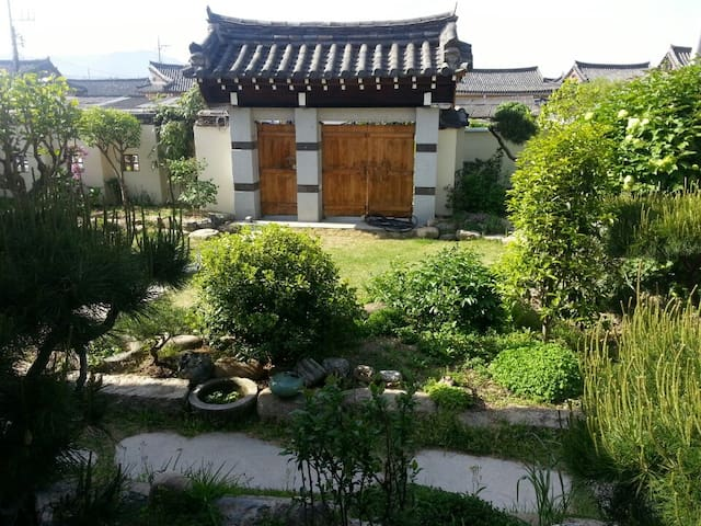 Guest House GODO(Deluxe, Separate Building) -  Gyeongju-si - Dom