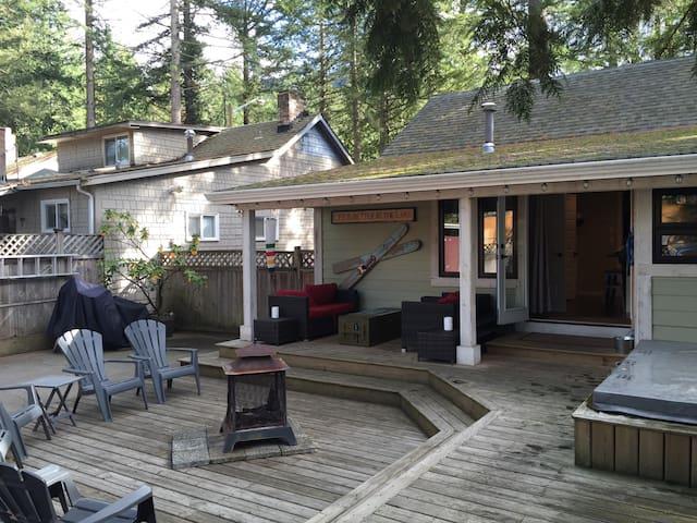Rustic Cultus Lake Cabin 3 Bedroom + loft - Cultus Lake
