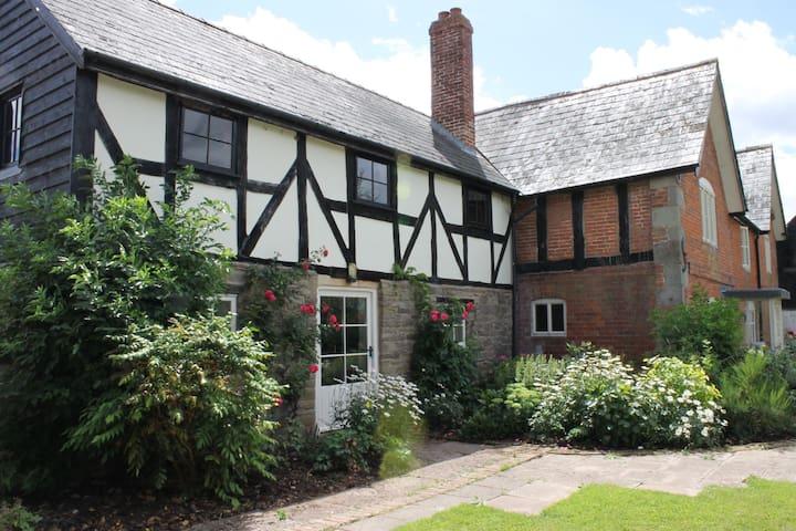 Dee's Cottage at Brinsop - Hereford - Apartmen