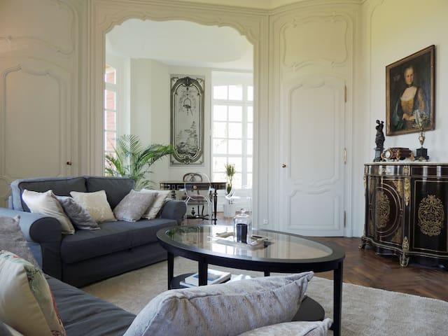 Superbe et luxueux appartement dans grand château - Salbris