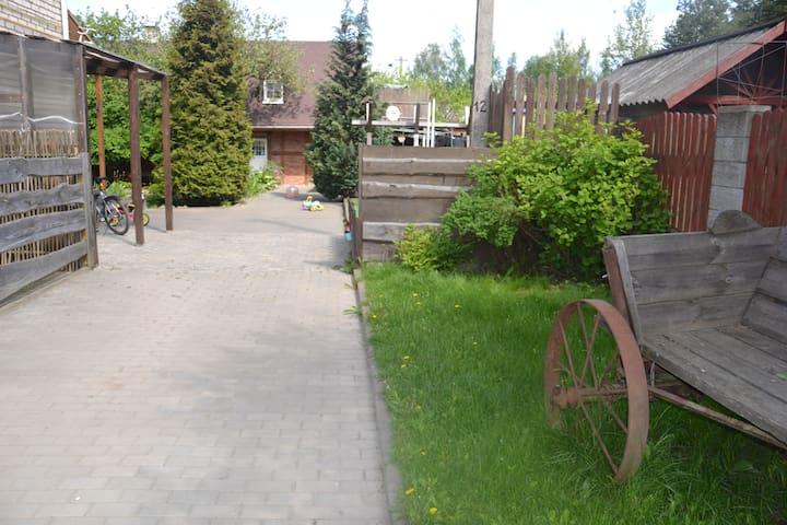 """Гостевой домик """"Тихий дворик"""" для любителей тишины - Lahojsk - Haus"""