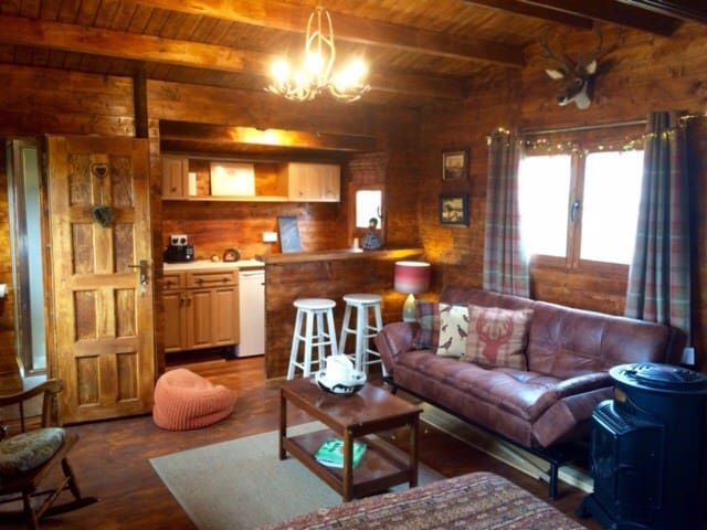 Cosy Log Cabin on working farm with stunning views - Dunblane - Cabaña