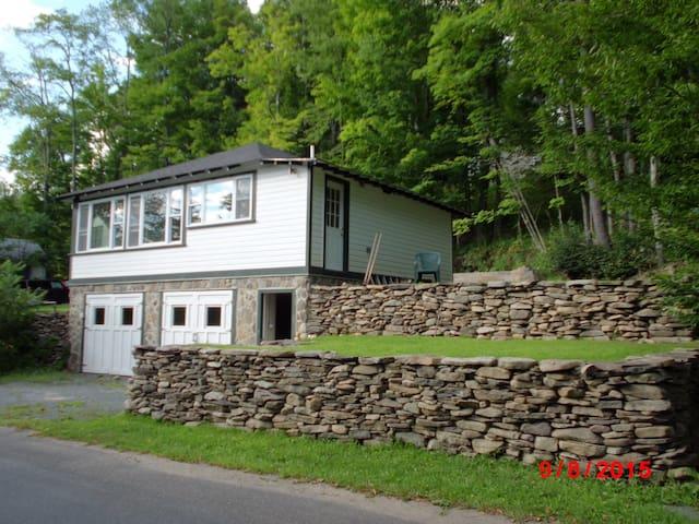 Lake house - Ellenville - Hus