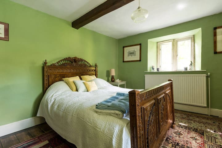 Character Dble Bedroom In The Cotswold Countryside - Wotton-under-Edge