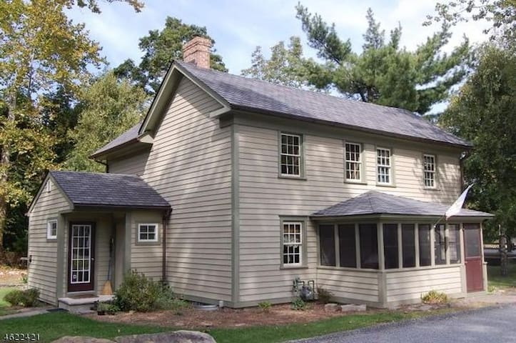 The 1840 Oxford Guest House - Oxford Township - Hus