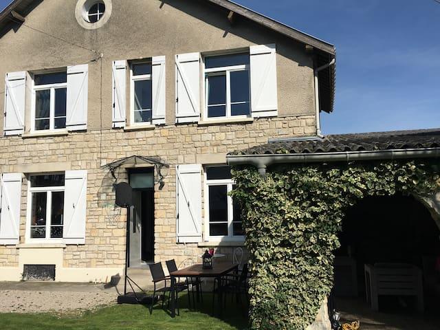 Maison de charme à la campagne - Cernay-lès-Reims - Huis