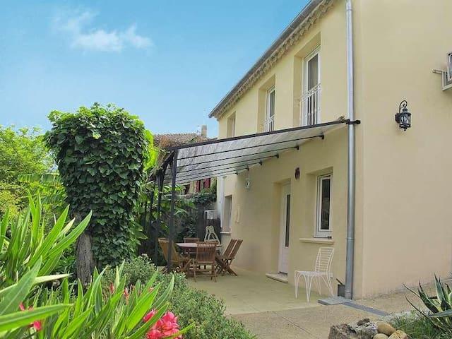 Maison au calme dans la verdure, proche Avignon - Sauveterre - Hus