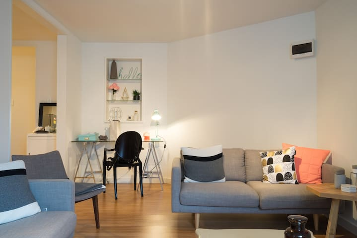 Spacious 2 bed flat with courtyard - Dandenong - Wohnung
