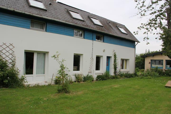 Maison au calme avec grand jardin à 10 mn de Rouen - Saint-Jean-du-Cardonnay - Huis