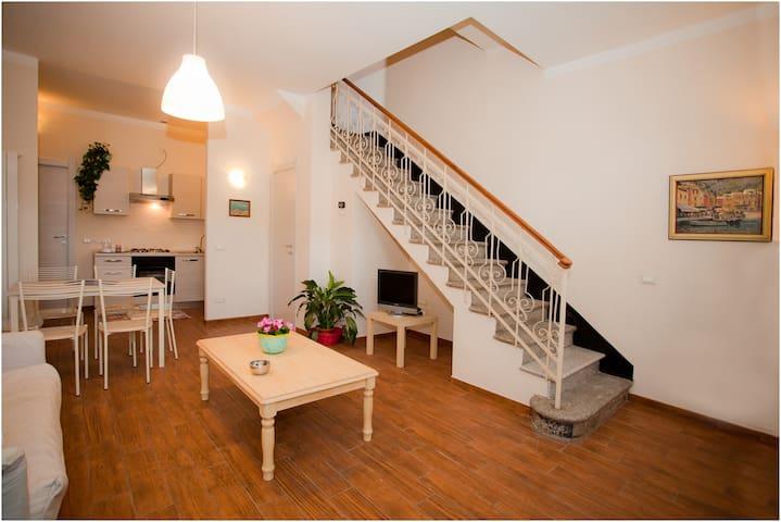 "appartment""Giulia"" Period House - ALBENGA - Apartamento"