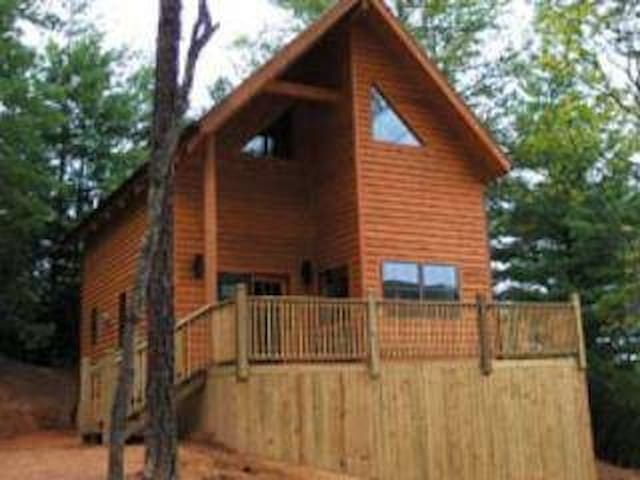 Cabin on the Blue Ridge Parkway Free Night - Spruce Pine - キャビン