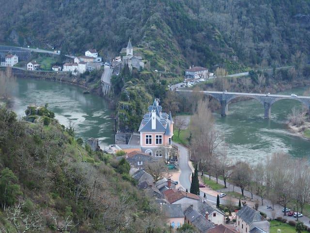 """Gîte """"Le petit Bonheur"""" dans la vallée du Tarn - Ambialet"""