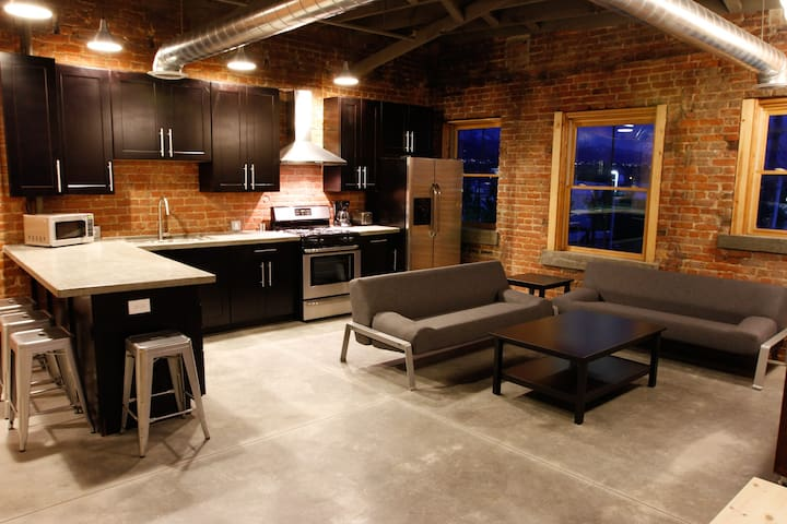 Contemporary & Historic Style. - Ogden - Appartement