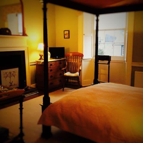 Charming Georgian House - Ecclefechan  - Bed & Breakfast
