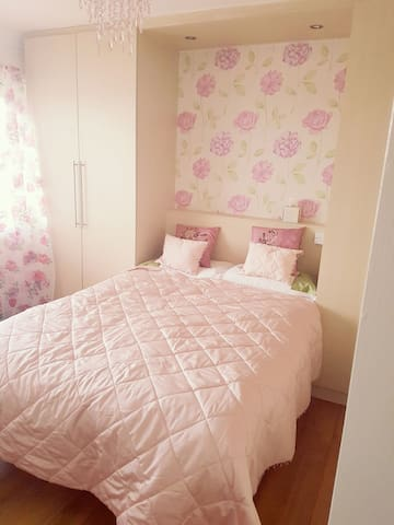Private room with use of kitchen - Seaham  - Maison