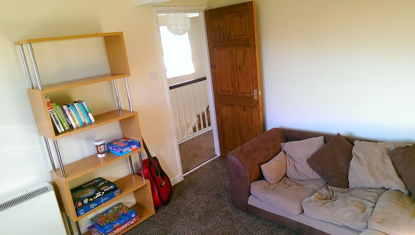 Modern 2 double Bed Apartment Near Town & Railway - Newton Abbot