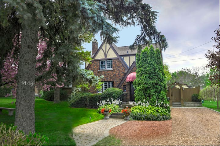 Samm's Cottage (executive suite) - Niagara-on-the-Lake - Hus